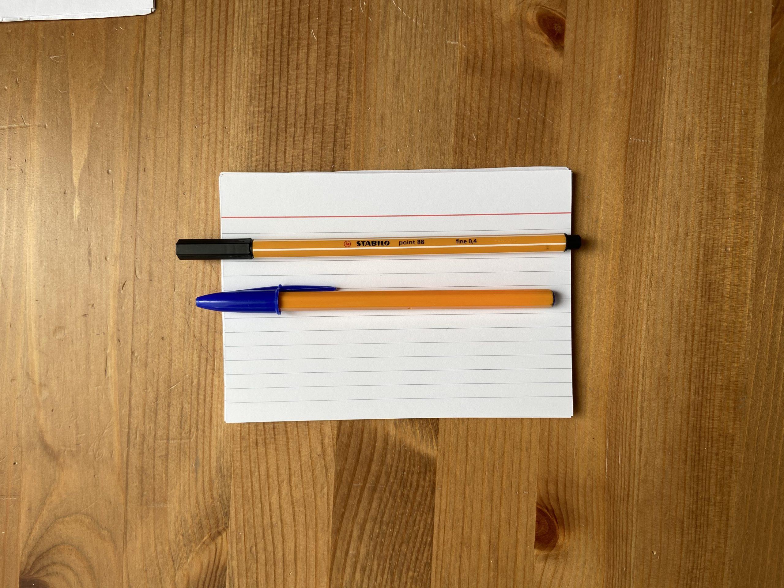Линеры Stabilo — для картотеки, шариковые ручки BIC — для повседневных записей