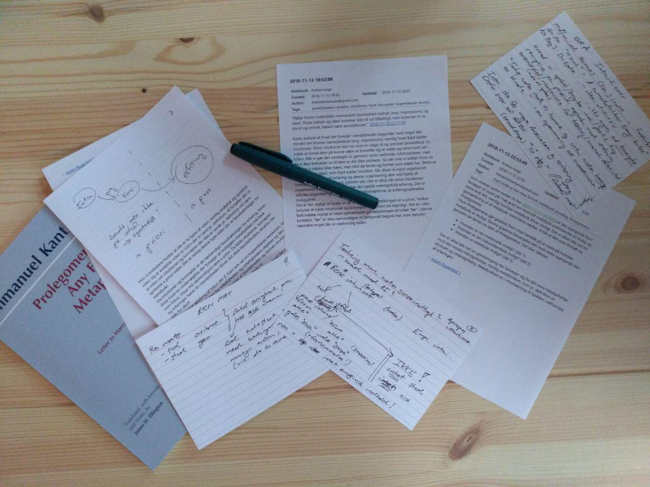 Рабочий стол Стефана в процессе чтения